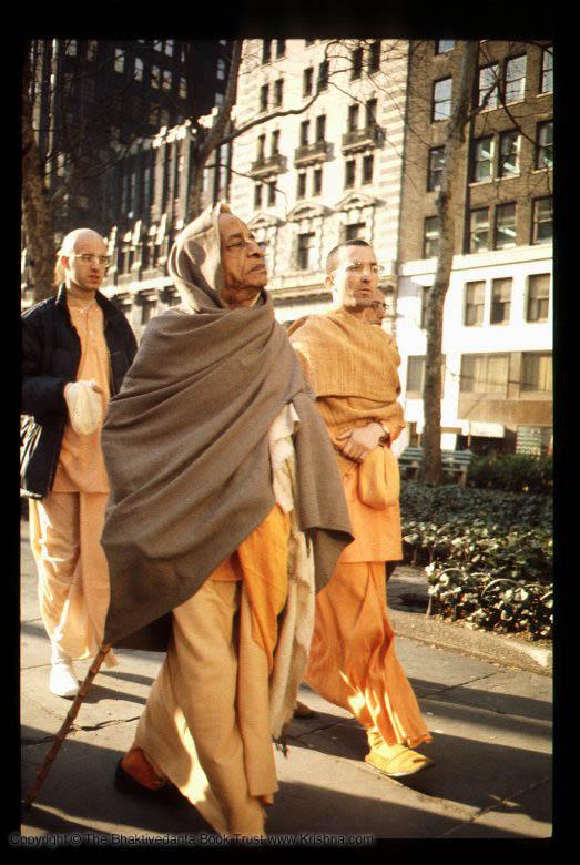 1 Walking with Prabhupad NY 1971