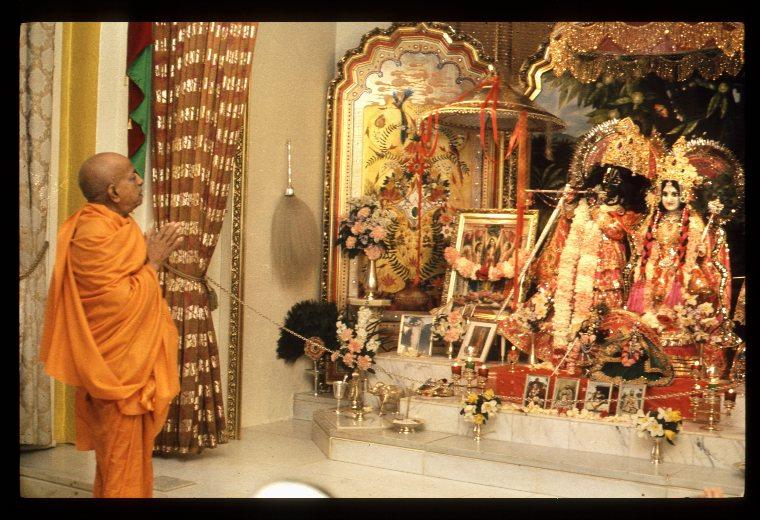 9 Radha Govinda